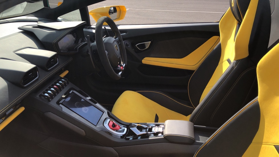 Lamborghini Huracan EVO Spyder LP 640-4 image 10