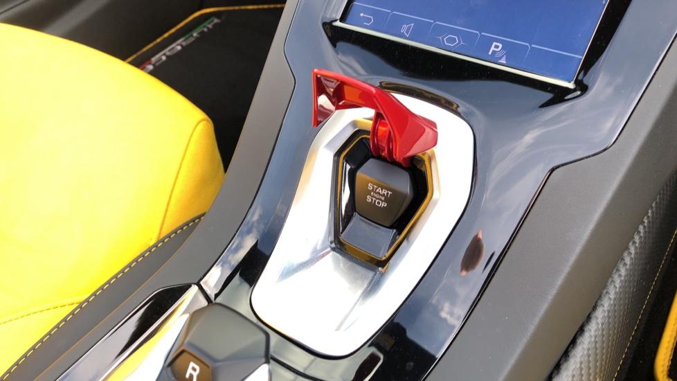 Lamborghini Huracan EVO Spyder LP 640-4 image 16