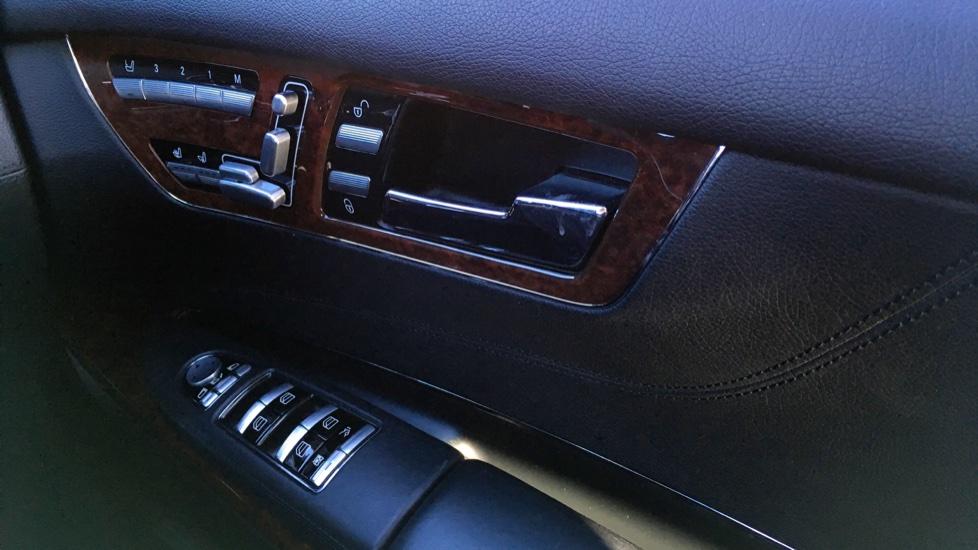 Mercedes-Benz CL-Class CL 63 Bi-Turbo 2dr image 27