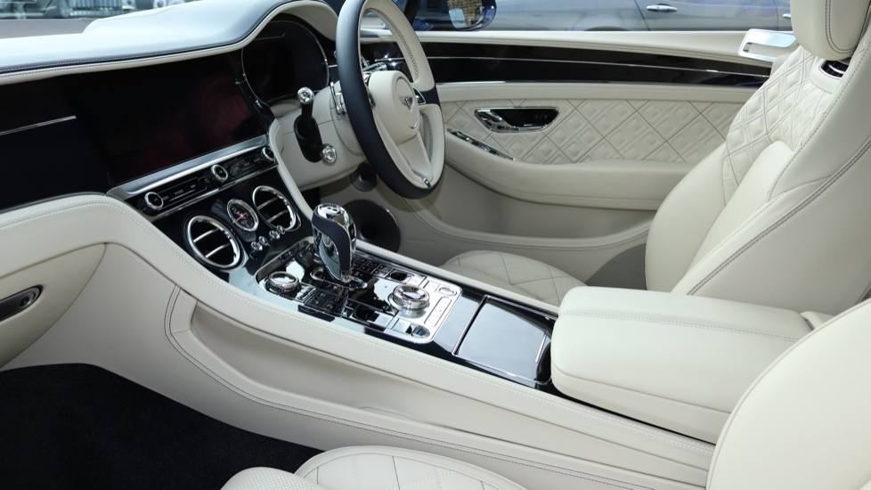 Bentley Continental GTC 6.0 W12 2dr image 6