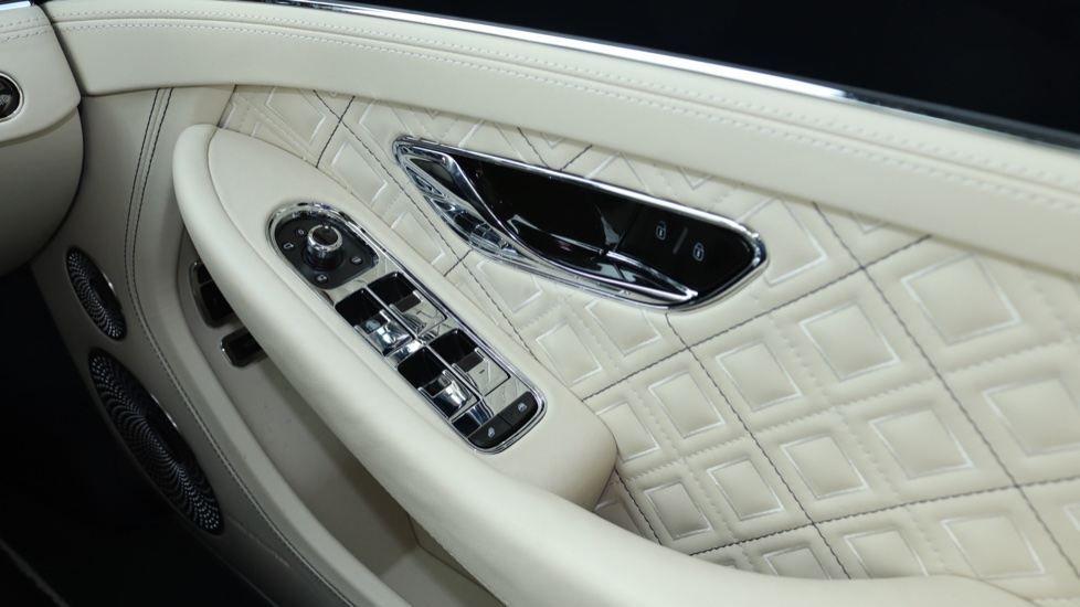 Bentley Continental GTC 6.0 W12 2dr image 10