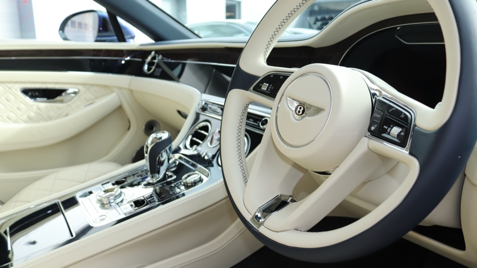 Bentley Continental GTC 6.0 W12 2dr image 21