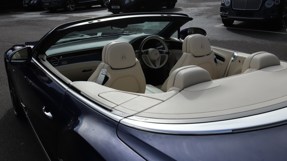 Bentley Continental GTC 6.0 W12 2dr image 28
