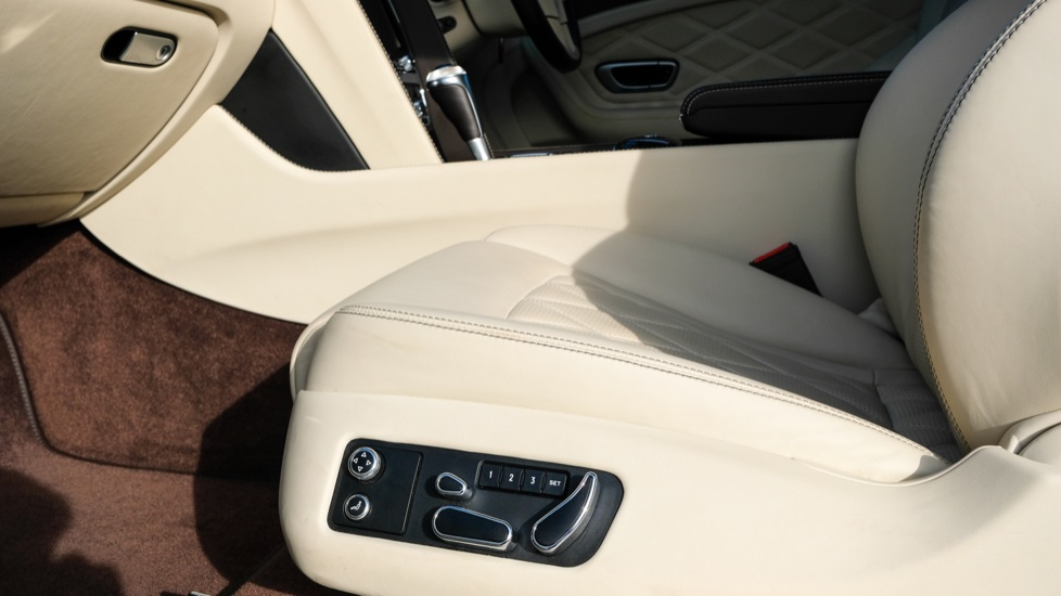 Bentley Continental GT 6.0 W12 Speed 2dr image 22