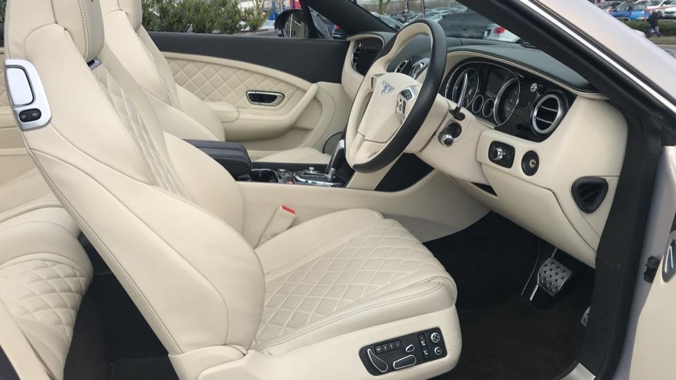 Bentley Continental GTC 4.0 V8 S Mulliner Driving Spec 2dr image 19