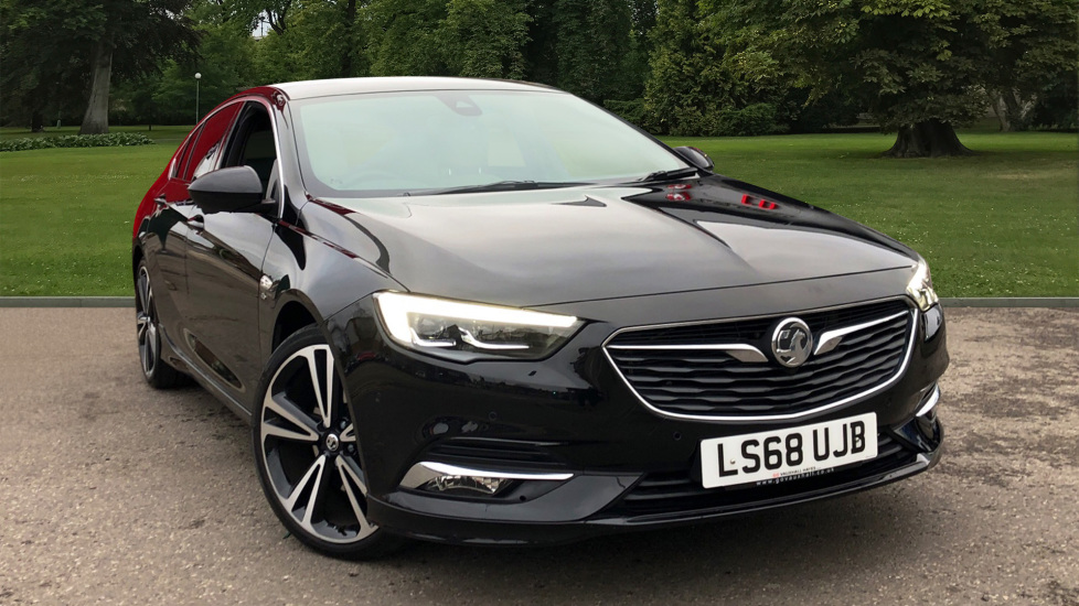 Used Vauxhall INSIGNIA Hatchback 2.0 TD BlueInjection Elite Nav Grand Sport Auto (s/s) 5dr