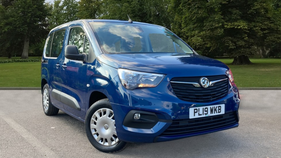 Used Vauxhall Combo Life MPV 1.5 Turbo D BlueInjection Design Auto (s/s) 5dr