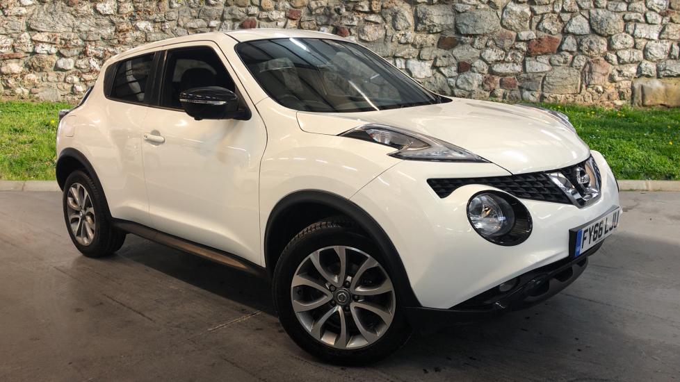 Nissan Juke 1.6 Tekna Xtronic Automatic 5 door Hatchback (2016)