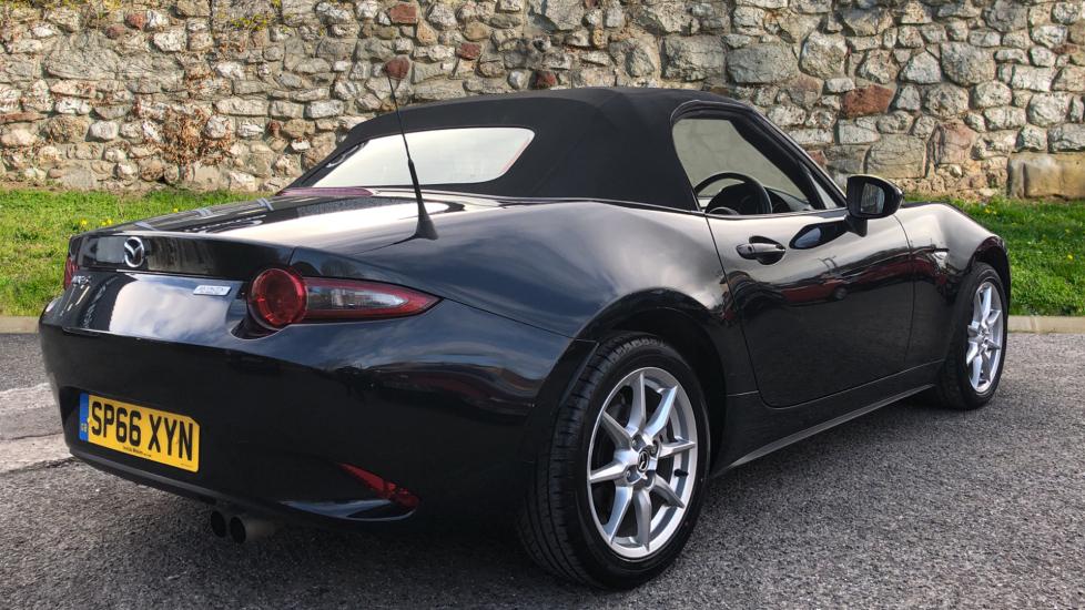 Mazda MX-5 1.5 SE-L Nav 2dr image 5