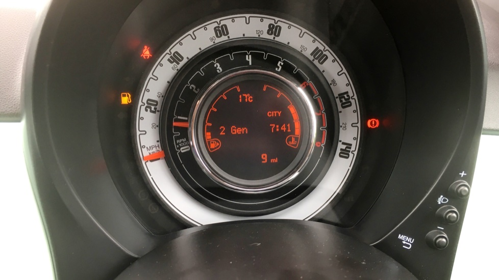 Fiat 500 1.2 Lounge - DELIVERY MILEAGE AND SUBSTANTIAL SAVING image 9