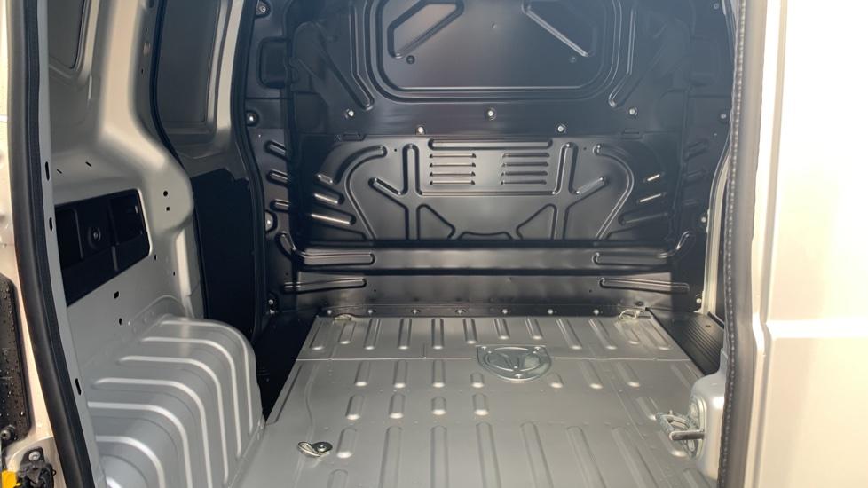 Fiat Fiorino TECNICO 1.3 80BHP SAT NAV AIRCON  BLUETOOTH  REV SENSORS MY20 STOCK VAN  image 4