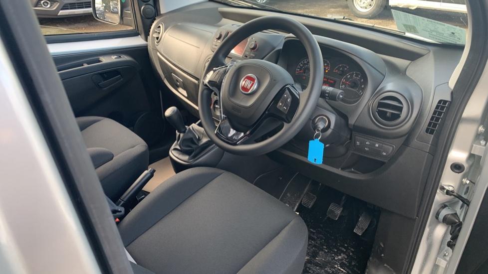 Fiat Fiorino TECNICO 1.3 80BHP SAT NAV AIRCON  BLUETOOTH  REV SENSORS MY20 STOCK VAN  image 17