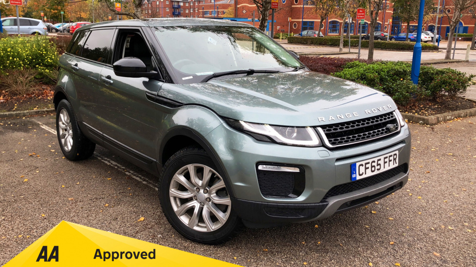 Land Rover Range Rover Evoque 2.0 TD4 SE Tech -  Panoramic Glass Roof and Other Factory Extras Diesel 5 door Hatchback (2015) image