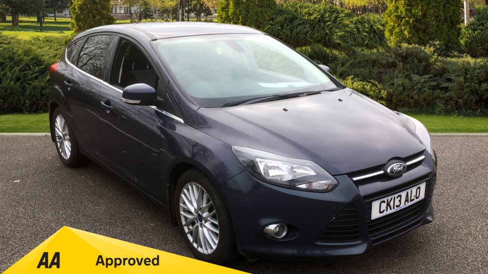 Ford Focus 1.0 125 EcoBoost Zetec with Voice Control, Bluetooth and Air Con 5 door Hatchback (2013) image