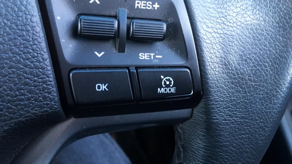 Hyundai Tucson 2.0 CRDi 185 Premium SE Electric Sunroof, Leather, SAT NAV, FREE SERVICE image 12