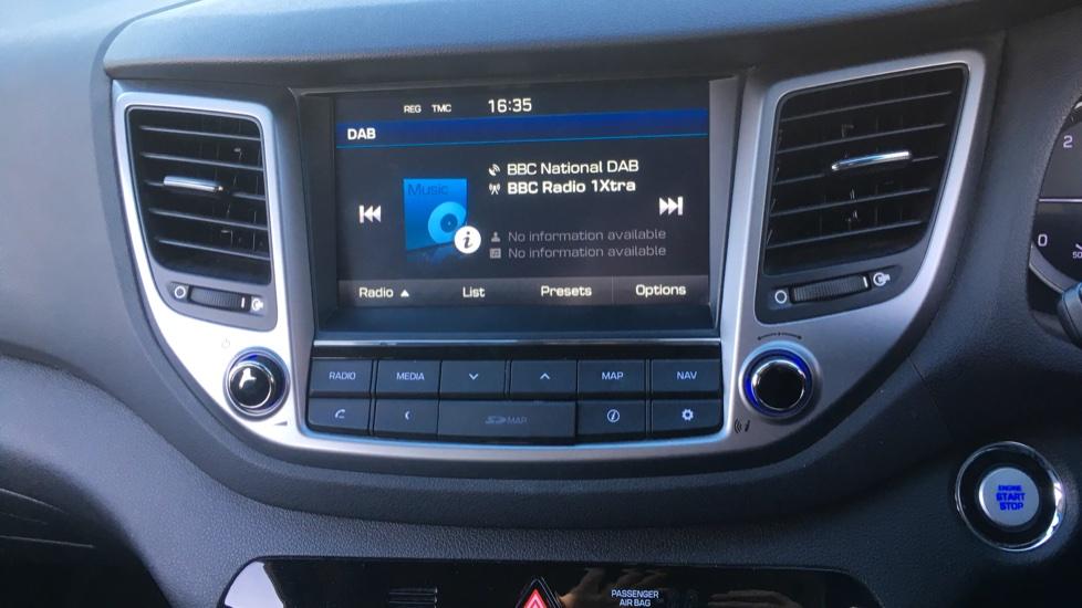 Hyundai Tucson 2.0 CRDi 185 Premium SE Electric Sunroof, Leather, SAT NAV, FREE SERVICE image 21