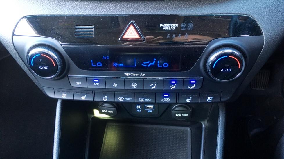 Hyundai Tucson 2.0 CRDi 185 Premium SE Electric Sunroof, Leather, SAT NAV, FREE SERVICE image 22