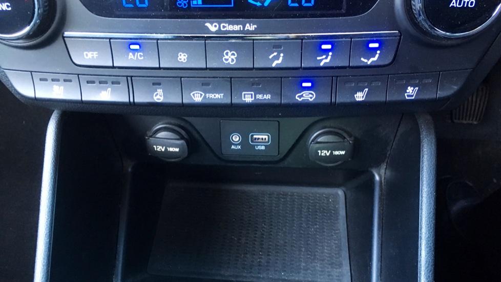 Hyundai Tucson 2.0 CRDi 185 Premium SE Electric Sunroof, Leather, SAT NAV, FREE SERVICE image 23