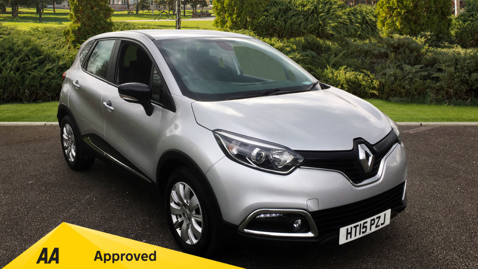 Renault Captur 1.5 dCi 90 Expression+ with Cruise Control and Bluetooth Connectivity Diesel 5 door Hatchback (2015) at Preston Motor Park Fiat and Volvo thumbnail image