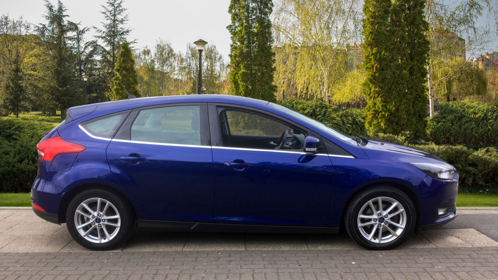 Ford Focus 1.5 TDCi 120 Zetec 5dr - Rear Park Assist, Impact Blue Metallic image 5 thumbnail