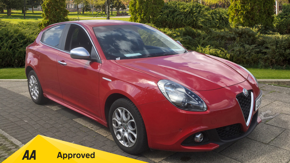 Alfa Romeo Giulietta 1.6 JTDM-2 120 Tecnica TCT - Rear Privacy Glass, Cruise, Climate, Bluetooth Diesel Automatic 5 door Hatchback (2016)