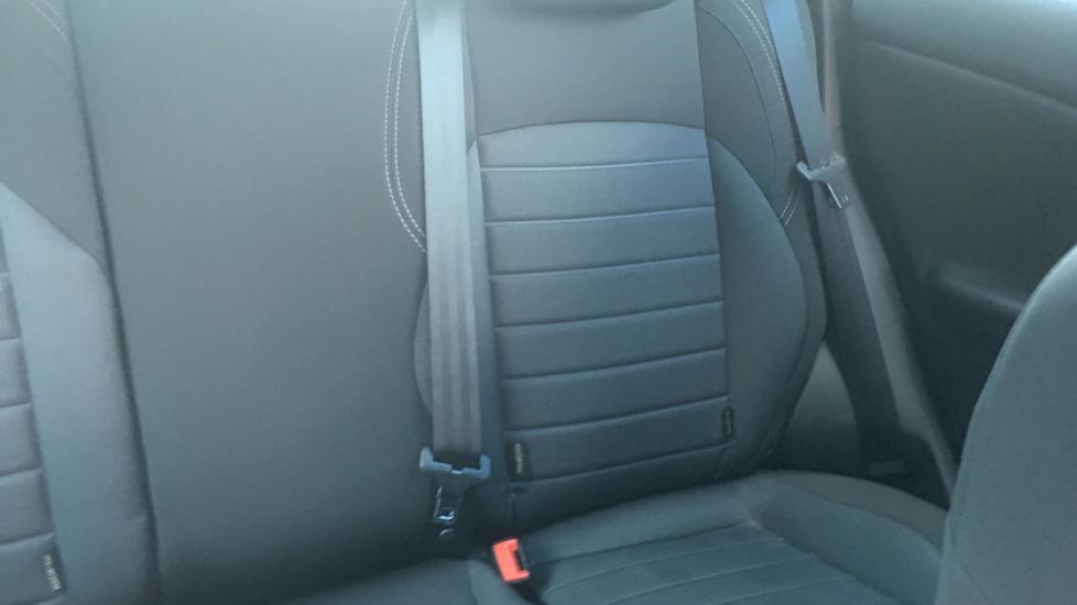 Alfa Romeo Giulietta 1.6 JTDM-2 120 Tecnica TCT - Rear Privacy Glass, Cruise, Climate, Bluetooth image 3