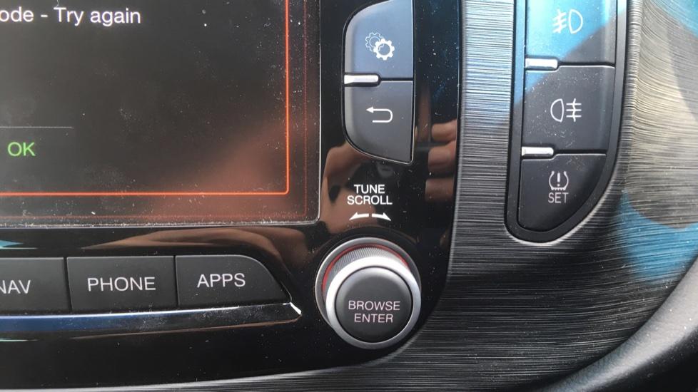 Alfa Romeo Giulietta 1.6 JTDM-2 120 Tecnica TCT - Rear Privacy Glass, Cruise, Climate, Bluetooth image 15