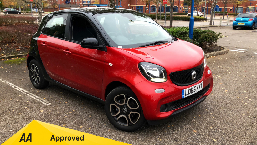 Smart ForFour 1.0 Prime 5dr with Dual Glass Sunroof and Bluetooth Hatchback (2015) image