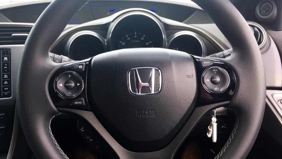 Honda Civic 1.4 i-VTEC Sport 5dr - Cruise Control, Bluetooth, Rear Park Assist, Privacy Glass image 14