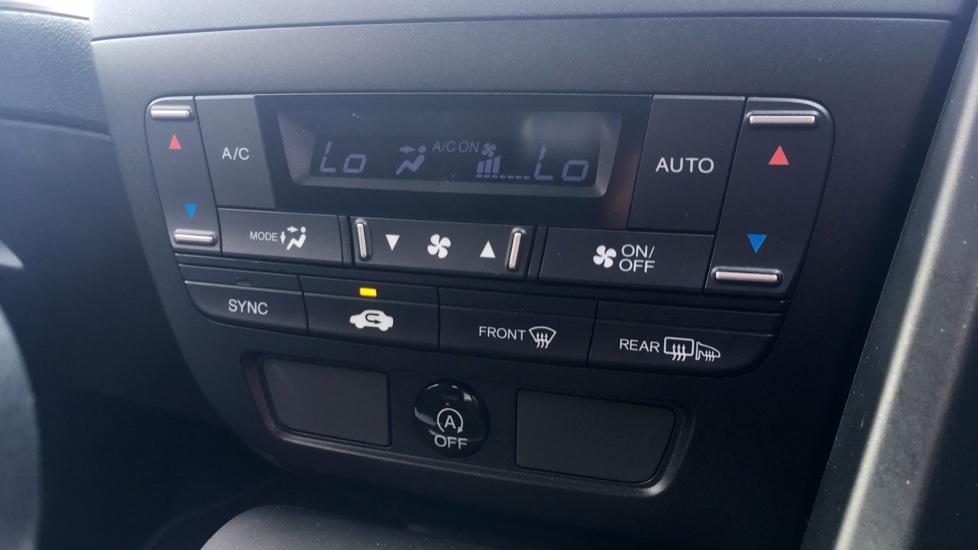 Honda Civic 1.4 i-VTEC Sport 5dr - Cruise Control, Bluetooth, Rear Park Assist, Privacy Glass image 20