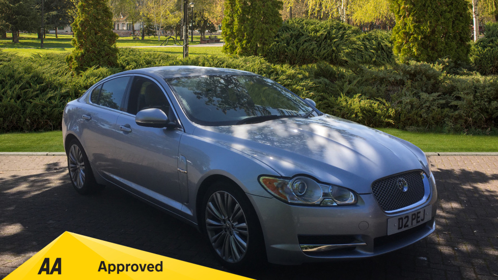 Jaguar XF 3.0d V6 Premium Luxury - SAT NAV, Front and Rear Park Assist, Leather Diesel Automatic 4 door Saloon (2010) image