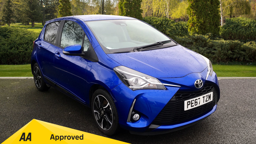 Toyota Yaris 1.5 VVT-i Design with Rear View Park Camera, Cruise Control, Bluetooth 5 door Hatchback (2017) image