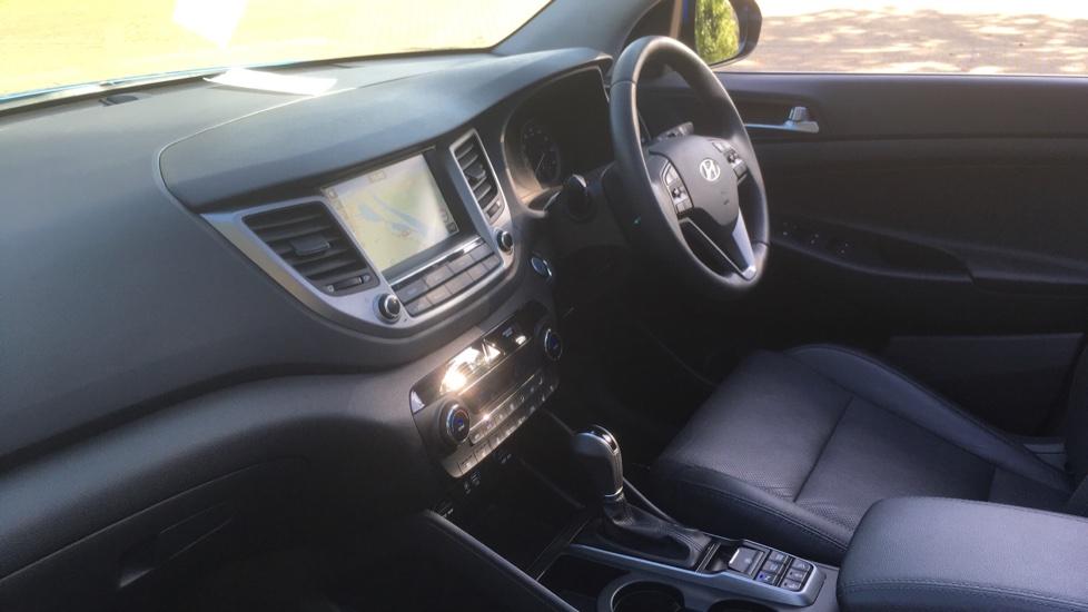 Hyundai Tucson 1.7 CRDi Blue Drive Premium SE 5dr 2WD DCT - SAT NAV, Electric Sunroof, Bluetooth image 3