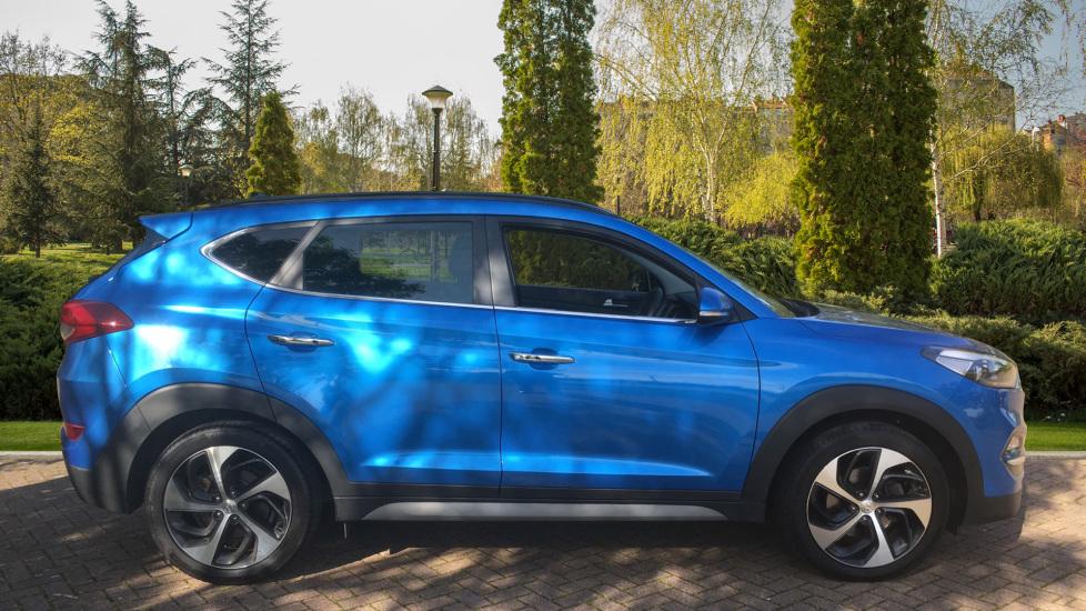Hyundai Tucson 1.7 CRDi Blue Drive Premium SE 5dr 2WD DCT - SAT NAV, Electric Sunroof, Bluetooth image 5