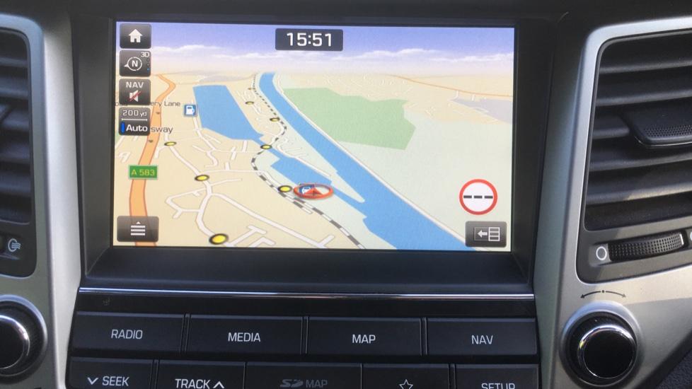 Hyundai Tucson 1.7 CRDi Blue Drive Premium SE 5dr 2WD DCT - SAT NAV, Electric Sunroof, Bluetooth image 16