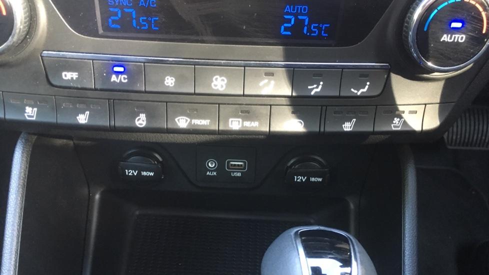 Hyundai Tucson 1.7 CRDi Blue Drive Premium SE 5dr 2WD DCT - SAT NAV, Electric Sunroof, Bluetooth image 20