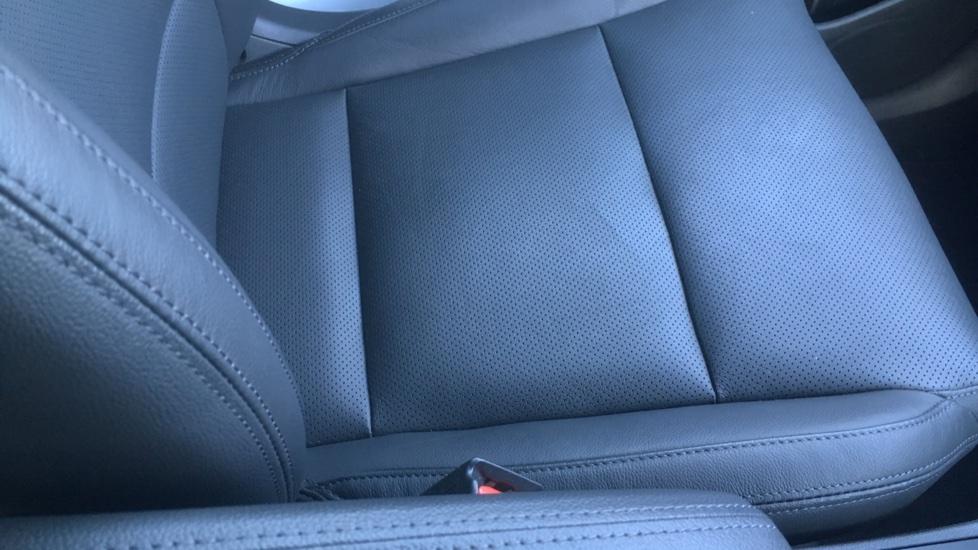 Hyundai Tucson 1.7 CRDi Blue Drive Premium SE 5dr 2WD DCT - SAT NAV, Electric Sunroof, Bluetooth image 26