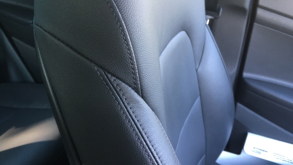 Hyundai Tucson 1.7 CRDi Blue Drive Premium SE 5dr 2WD DCT - SAT NAV, Electric Sunroof, Bluetooth image 27