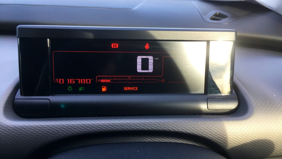Citroen C4 Cactus 1.2 PureTech [110] Flair with Satellite Navigation, Cruise Control and Bluetooth image 8