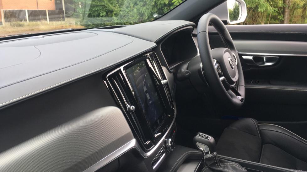 Volvo S90 2.0 D5 PowerPulse R DESIGN Pro AWD  - Driver Support, SAT NAV, DAB, BLIS image 3