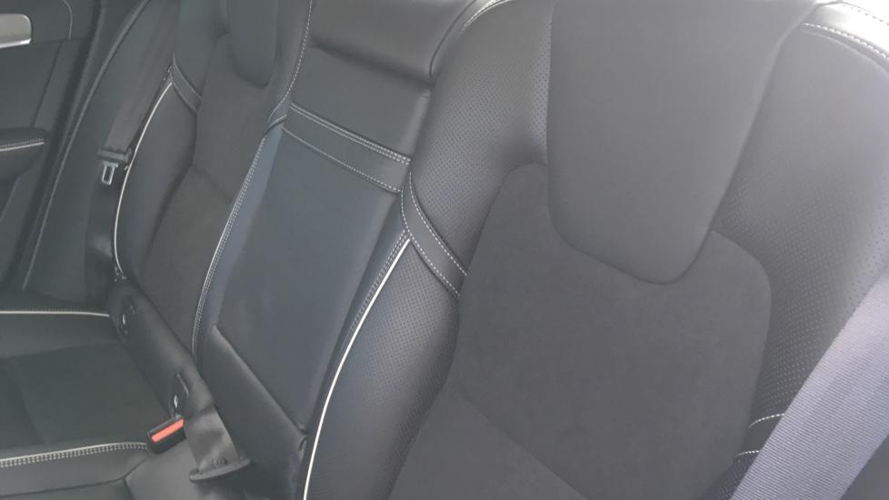 Volvo S90 2.0 D5 PowerPulse R DESIGN Pro AWD  - Driver Support, SAT NAV, DAB, BLIS image 4