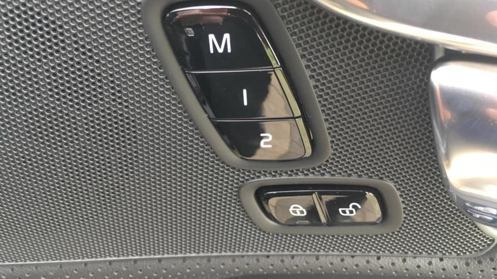 Volvo S90 2.0 D5 PowerPulse R DESIGN Pro AWD  - Driver Support, SAT NAV, DAB, BLIS image 12