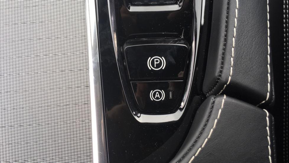 Volvo S90 2.0 D5 PowerPulse R DESIGN Pro AWD  - Driver Support, SAT NAV, DAB, BLIS image 26