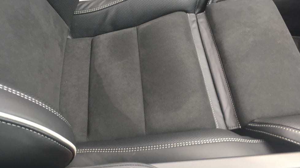 Volvo S90 2.0 D5 PowerPulse R DESIGN Pro AWD  - Driver Support, SAT NAV, DAB, BLIS image 28