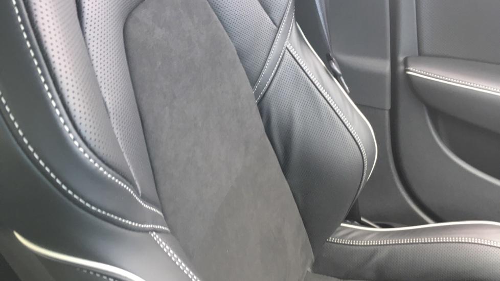 Volvo S90 2.0 D5 PowerPulse R DESIGN Pro AWD  - Driver Support, SAT NAV, DAB, BLIS image 29