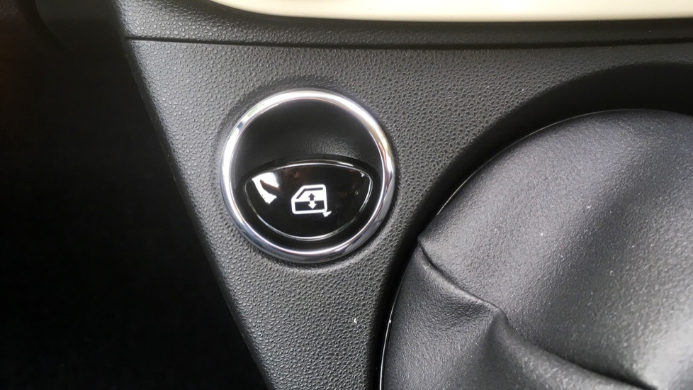 Fiat 500 1.2 Pop with LED Daytime Lights and Cruise Control image 16