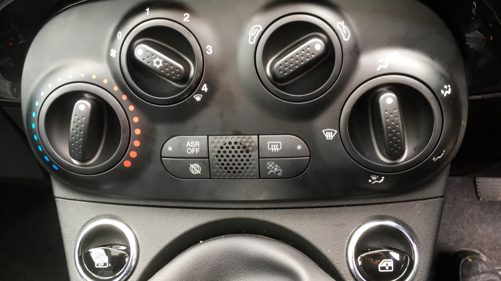 Fiat 500 1.2 Lounge with Rear park Assist, Active TFT Screen, USB Input image 16