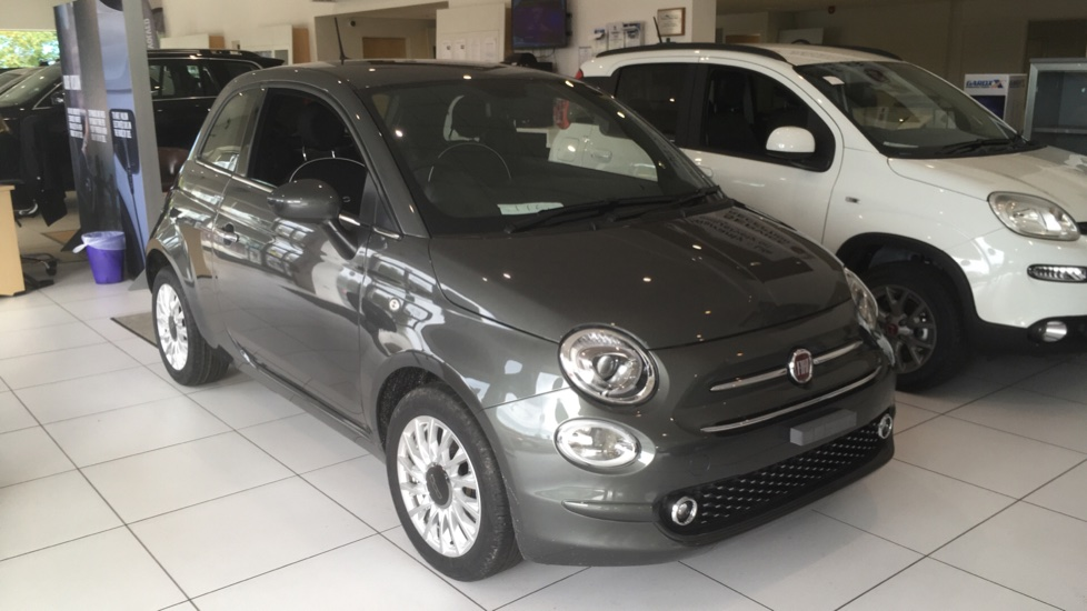 Fiat 500 1.2 Lounge 3dr - DELIVERY MILEAGE and EXCELLENT SAVING Hatchback (2019)