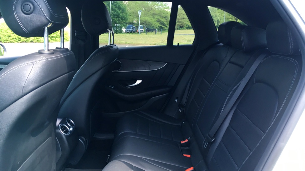 Mercedes-Benz GLC-Class GLC 220d 4Matic AMG Line Premium 5dr 9G-Tronic image 4