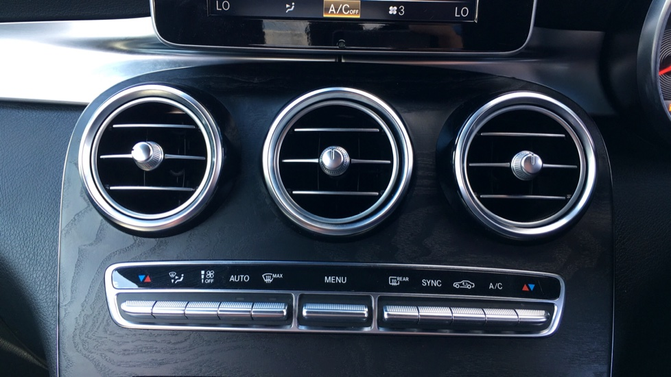 Mercedes-Benz GLC-Class GLC 220d 4Matic AMG Line Premium 5dr 9G-Tronic image 21